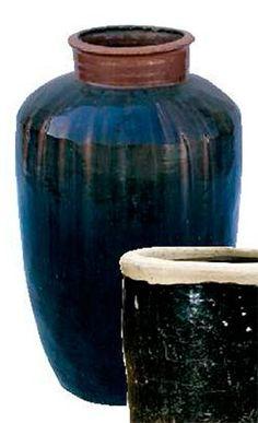 tinaja de barro en marrn oscuro ancho fondo alto