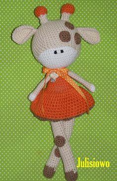 Mimi Girffe. Crochet doll. Pattern at Etsy Julisiowo. Muñeca de ganchillo. Mimi Jirafa . Patrón en Esty Julisiowo