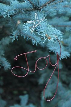 Wire word for Christmas tree