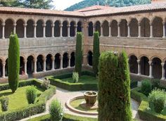 Ruta Románico 3.- Claustro Monasterio de Santa María de Ripoll