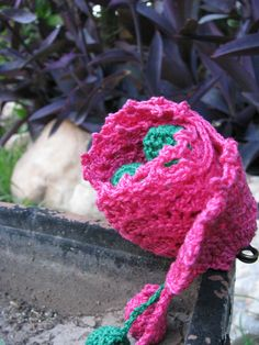 Prendedor a crochet para prendas de lanas.