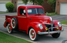 Classic truck, I'm in love with this car! <3