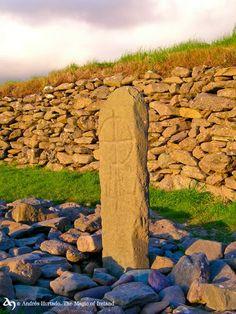 Gallarus Oratory Cross, Dingle Peninsula, Co. Kerry by The Magic of Ireland. © Andrés Hurtado