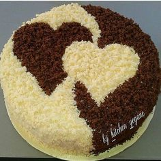 Herzkuchen Food and drink Pretty Cakes, Cute Cakes, Beautiful Cakes, Amazing Cakes, Cake Decorating Videos, Cake Decorating Techniques, Valentine Cake, Valentines, Valentine Bouquet