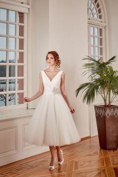 Een leuke korte #bruidsjurk van Diane Legrand