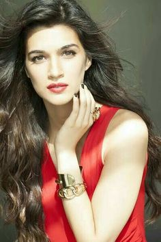 Most beautiful pictures of Kriti Sanon Indian Celebrities, Bollywood Celebrities, Beautiful Celebrities, Beautiful Actresses, Indian Bollywood, Bollywood Stars, Bollywood Fashion, Beautiful Bollywood Actress, Beautiful Indian Actress