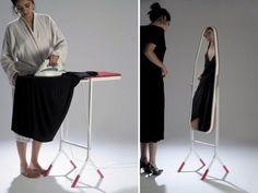 3. Un espejo y tabla de planchar combo.