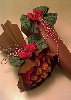 Bouquet of Sweets - Candy Bouquet - # Chupachups - ดอกไม้ - Snack Candy Trees, Candy Wreath, Candy Flowers, Candy Bar Bouquet, Gift Bouquet, Candy Art, Candy Crafts, Chocolate Flowers, Chocolate Bouquet