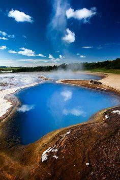 Acid lake and fumaroles in Geysir, Iceland
