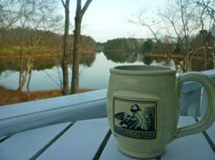 Bufflehead Cove Inn: Morning coffee on our private balcony off the Cove Room.