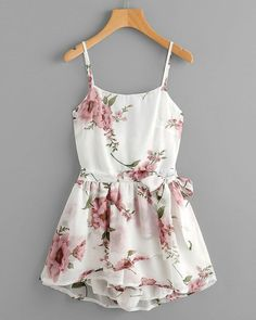 Shop Floral Print Random Knot Open Back Cami Romper online. SheIn offers Floral Print Random Knot Open Back Cami Romper & more to fit your fashionable needs. Cute Summer Outfits, Cute Casual Outfits, Spring Outfits, Casual Dresses, Casual Clothes, Teen Fashion Outfits, Girl Outfits, Fashion Dresses, Womens Fashion