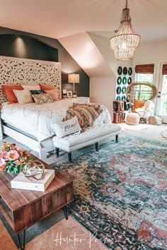 Cozy Master Bedroom Reveal Before and after pictures Find ideas for your own room Rustic and boho design with cutest colors Hunter Premo HunterPrC. Room Ideas Bedroom, Home Bedroom, Modern Bedroom, Contemporary Bedroom, Bedroom Designs, Bedroom Furniture, Bedroom Colors, Cozy Master Bedroom Ideas, Bedroom 2018