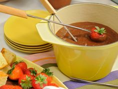 Peanut Butter Chocolate Fondue recipe from Katie Lee via Food Network Chocolate Peanut Butter, Chocolate Desserts, Chocolate Fondue, Decadent Chocolate, Kitchen Recipes, Cooking Recipes, Beef Recipes, Healthy Recipes, Just Desserts