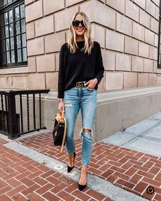 what to wear on date night, ripped jeans, heels, black heels Chic Outfits, Fall Outfits, Fashion Outfits, Womens Fashion, Fashion Styles, Gucci Outfits, Denim Outfits, Work Outfits, Dress Up Jeans