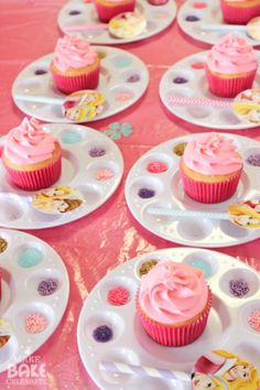 ~ DIY Cupcakes for a kids party ~ Idea    ***Note: Get Creative!!!  You can also do Boy Themed Cupcakes   Set out cupcakes and sprinkles on little paint trays as well as a easy cupcake topper assembled from paper plates and paper | http://strawberryfoodrecipes.blogspot.com