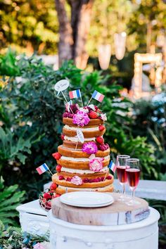 Naked, berry cake - Nadine and Lorenzo's Enchanted Parisian Wedding Parisian Wedding, Berry Cake, Baby Party, Event Styling, Enchanted, Affair, Berries, Naked, Delicate
