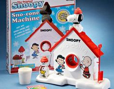 I always wanted a snow cone makers -- especially this one, the Snoopy Snow Cone Maker. I bought a snow cone maker last year for myself. 90s Childhood, My Childhood Memories, Sweet Memories, Retro Toys, Vintage Toys, 1980s Toys, Vintage Stuff, Snow Cone Machine, Sno Cones