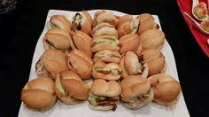 Sandwiches de pollo a la brasa con palta