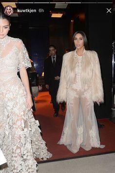 Kendall Jenner e Kim Kardashian (Foto: Reprodução/Instagram)