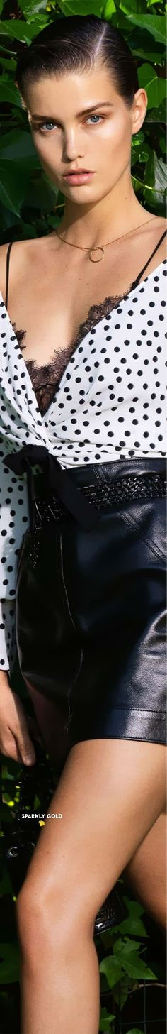 Dots Fashion, Autumn Fashion, Polka Dots, Black Leather, Glamour, Black And White, Lady, Hair Styles, Connect