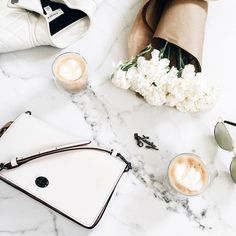 Lifestyle Photography | Natural Lighting | Women's Fashion | Women's Accessories | Women's Jewelry | Daily Flatlay | On The Table