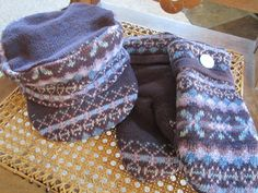 DIY sweater hat and mittens tutorial by the Renegade Seamstress Sweater Mittens, Old Sweater, Crochet Mittens, Mittens Pattern, Knitted Hats, Diy Crochet, Wool Sweaters, Renegade Seamstress, Couture
