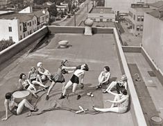 Women boxing on a roof in LA (1933)