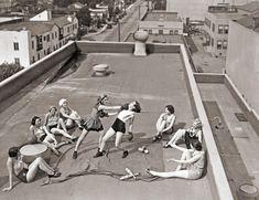 Women boxing on a roof in LA (1933)