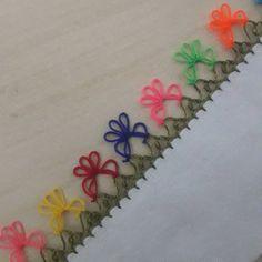 45 super ideas for knitting loom sweater hats Baby Booties Knitting Pattern, Loom Knitting, Knitting Stitches, Knitting Patterns Free, Baby Knitting, Knitting Machine, Knitting Socks, Crochet Unique, Crochet Stars