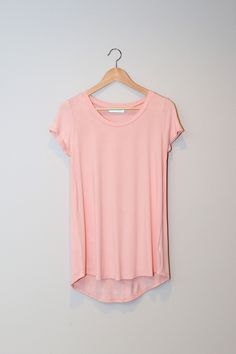 Our favorite everyday casual tee! A KARA KARST FAVORITE! One in every color for your #UptownCloset!