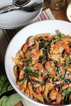 Penne Rosa w/ Shrimp- an easy and healthy 20 minute meal!. YUM. This is actually healthy. Putting this on the menu next week. I will use the GF penne.