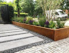 Inspiratie – Lucassen Hoveniers - Lilly is Love Back Gardens, Outdoor Gardens, Rectangular Pool, Yard Landscaping, Garden Planning, Garden Inspiration, Beautiful Gardens, Landscape Design, Home And Garden