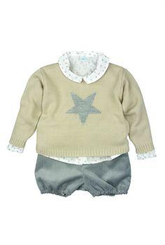 Paloma de la O - FW15. Three piece baby outfit: stars shirt, grey star sweater and grey corduroy bloomer shorts