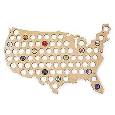 Beer Cap Map USA This USA-shaped, plywood display offers a decorative way to showcase a bottle cap collection. Beer Bottle Caps, Beer Caps, Gifts For Beer Lovers, Beer Gifts, Man Gifts, Funny Gifts For Him, Gift Baskets For Men, Gift Guide For Him, Boyfriend Gifts