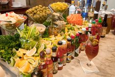 Now THIS is a bloody mary bar! Great brunch/party idea -- a Bloody Mary bar! Serve a variety of hot sauces, horseradish, olives, celery, etc. Bloody Mary Bar, Bloody Mary Recipe For A Crowd, Bar Drinks, Yummy Drinks, Beverages, Drink Bar, Beverage Bars, Beverage Stations, Tequila Drinks