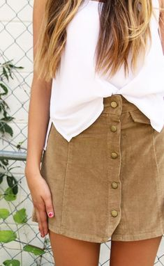 button up skirt.                                                                                                                                                                                 More Women, Men and Kids Outfit Ideas on our website at 7ootd.com #ootd #7ootd