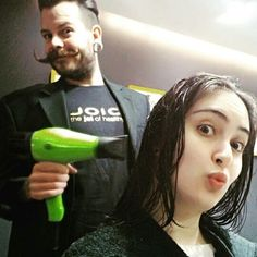 repost via @luanagonck Toda linda toda Brasil! #blowlovers #blowout #espacodellasbar #hair  #portoalegre#instarepost20