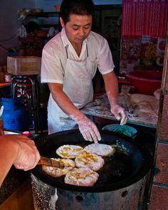 Life on Nanchang Lu: Shanghai Street Food #34 Egg Puffs: Jidan Bing 鸡蛋饼