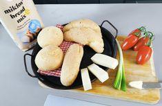 Zsemle, kifli, bagett, ami olyan igazán puha miklos bread mix lisztbből – Gluténmentes Íz-Lik Bread Mix, Hot Dog, Hamburger, Dairy, Cheese, Food, Essen, Burgers, Meals
