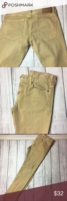 Men's  light khaki jeans  Men's light khaki jeans. They are made out of 99% cotton & 1% elastane materials. They have 5 usable pockets. They are brand new and have never been used. No signs of wear, tear or stains.  American Eagle Outfitters Jeans Skinny