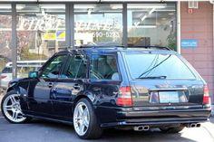 S124 AMG Mercedes 124, Classic Mercedes, Mercedes Benz Cars, E63 Amg Wagon, Merc Benz, Car Station, Audi 100, Daimler Benz, Benz S Class