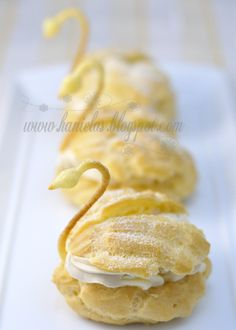 Pâte à Choux Pastry Swans (by Haniela) - so easy... ;-)))