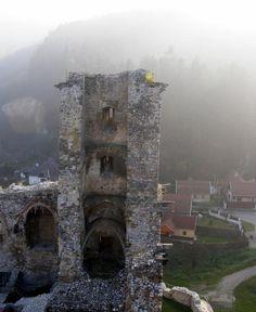 Diósgyőri vár Tower Bridge, Hungary, Castles, Mount Rushmore, The Past, Mountains, Nature, Travel, Naturaleza