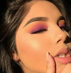 Glam Makeup, Skin Makeup, Makeup Inspo, Eyeshadow Makeup, Makeup Inspiration, Eyeshadows, Easy Eyeshadow, Easy Eyeliner, Gothic Makeup