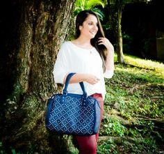 Look versátil com a famosa Bolsa de tachinha !!! #look  Confira todos os detalhes no blog Charme Dalu: http://blogcharmedalu.com.br/look-do-dia-bolsa-com-tachinha-e-colar-de-pimenta/