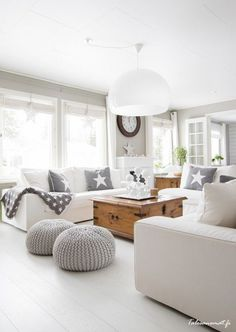 Grey and off white living room. Modern country home style. Coastal Living Rooms, Living Room Grey, Home Living Room, Living Room Designs, Living Spaces, Cozy Living, Deco Design, Design Case, Design Trends