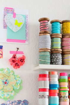 Craft room storage with washi tape Space Crafts, Home Crafts, Arts And Crafts, Diy Crafts, Craft Space, Craft Room Storage, Craft Organization, Craft Rooms, Storage Shelves