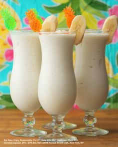 Colada 4 Ways Enjoy summer in a glass with these four fun piña coladas made with Malibu rum!Enjoy summer in a glass with these four fun piña coladas made with Malibu rum! Liquor Drinks, Fruit Drinks, Smoothie Drinks, Beverages, Bourbon Drinks, Protein Smoothies, Party Drinks, Fruit Smoothies, Banana Drinks