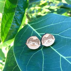 Adorable and environmentally sustainable ❤️ Leather Accessories, Leather Jewelry, Rustic Jewelry, Ethical Fashion, Sloth, Plant Leaves, Stud Earrings, Sustainable Fashion, Studs