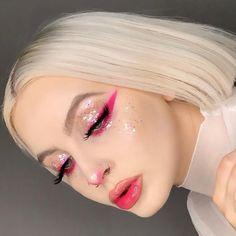 creative makeup – Hair and beauty tips, tricks and tutorials Glam Makeup, Rave Makeup, Girls Makeup, Makeup Tips, Makeup Goals, Makeup Eye Looks, Eye Makeup Art, Pretty Makeup, Skin Makeup